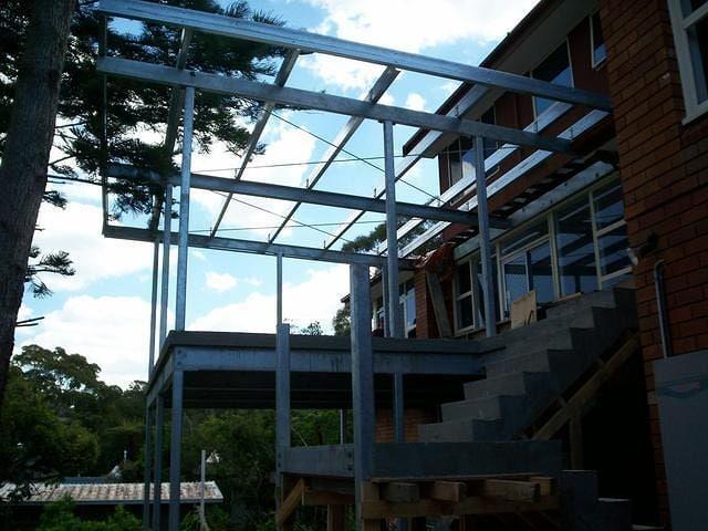 Steel Structures 22